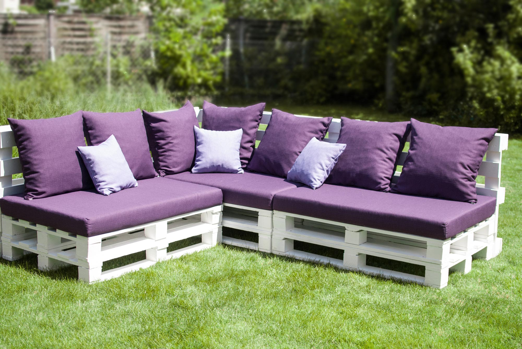 Lounge sofa outdoor selber bauen  DIY Outdoor Couch › Wohn-Guide Blog